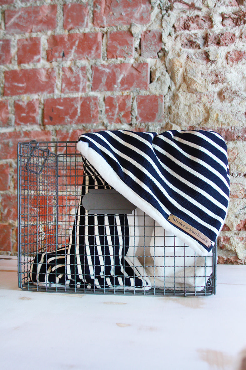 Wellington Cooling Blanket - Navy Off White