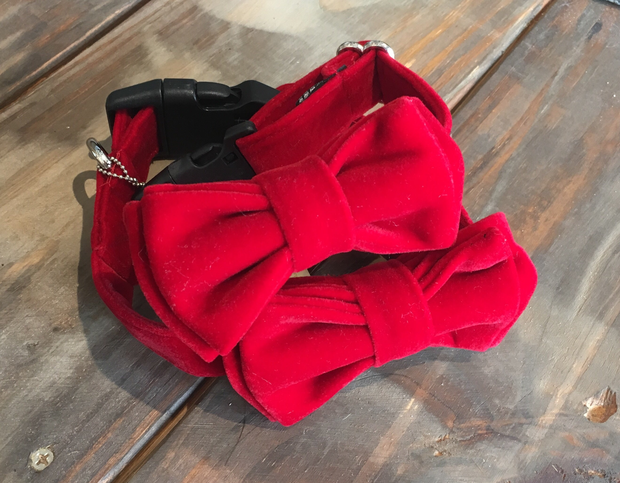 Benedict Fancy Bow Collar - Dapper Red