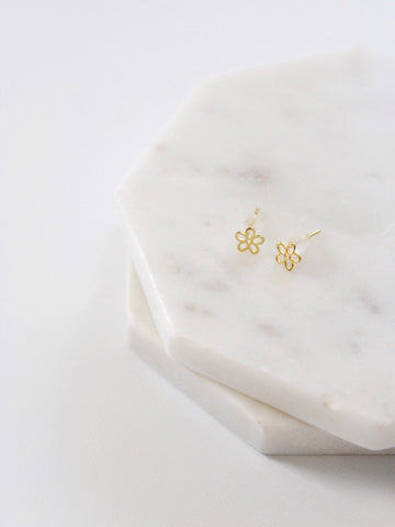 The Dainty Daisy Stud Earring - The Simple Seam