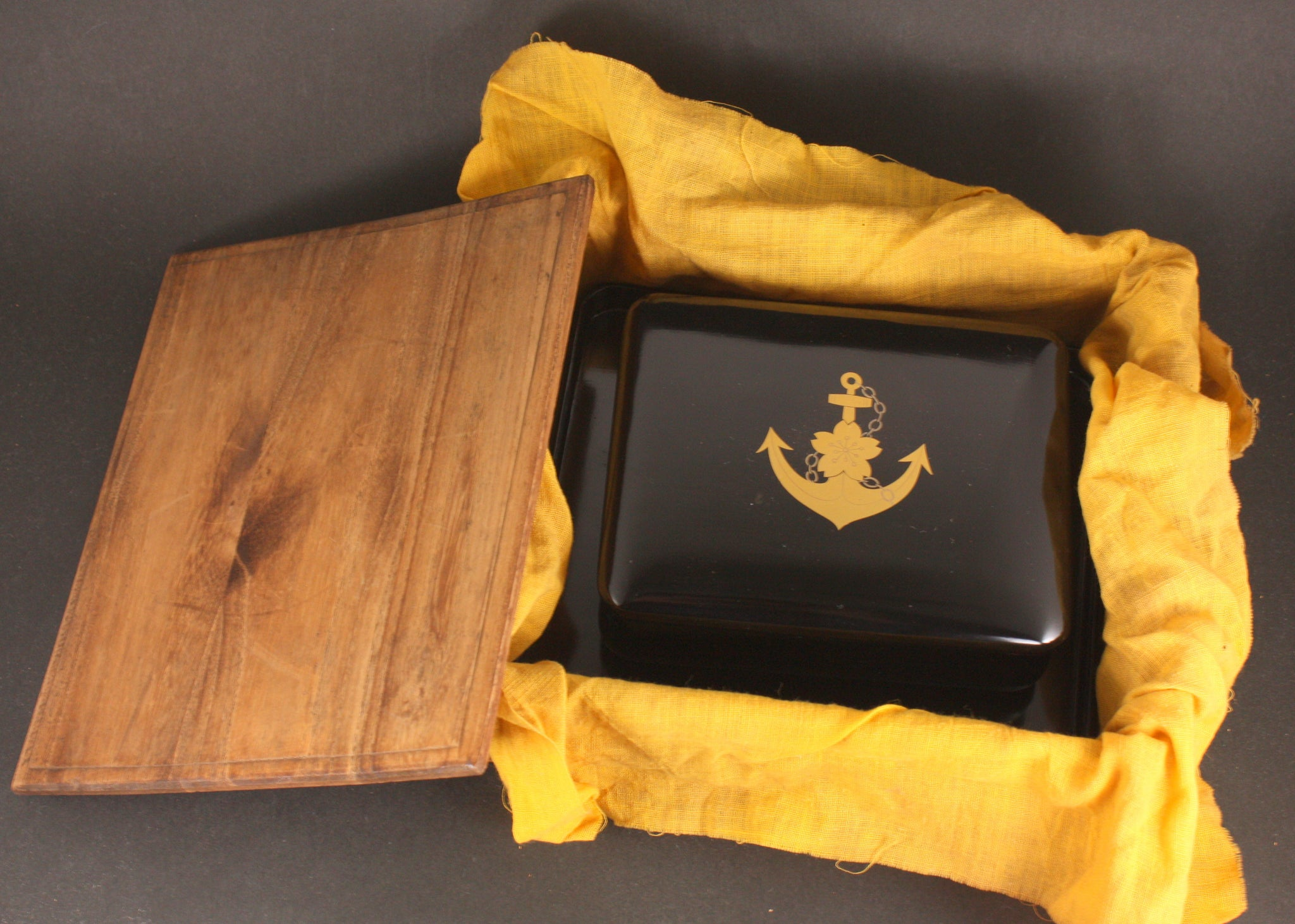 Very Rare Antique Japanese Military 1937 China Incident Oiler Naruto Lacquer Tobacco Box