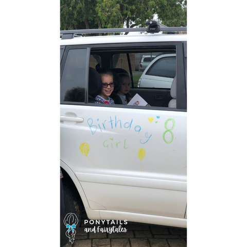 decorated car for little girl's birthday during social isolation Covid-19 2020