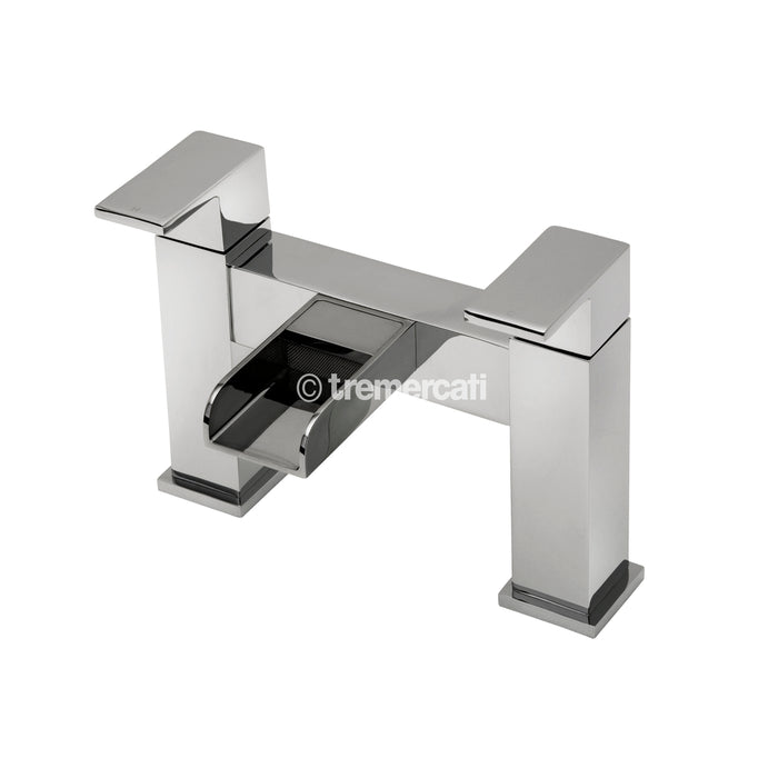 Tre Mercati Chrome 1803 Geysir Pillar Bath Filler Front View