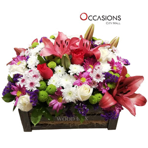Flowers in Black Wood Box Flowerssend_delivery_Amman_Jordan