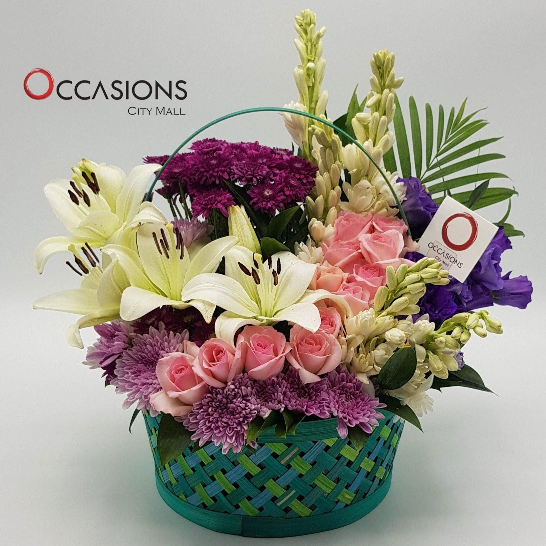 Colored Basket Arrangement Flowerssend_delivery_Amman_Jordan