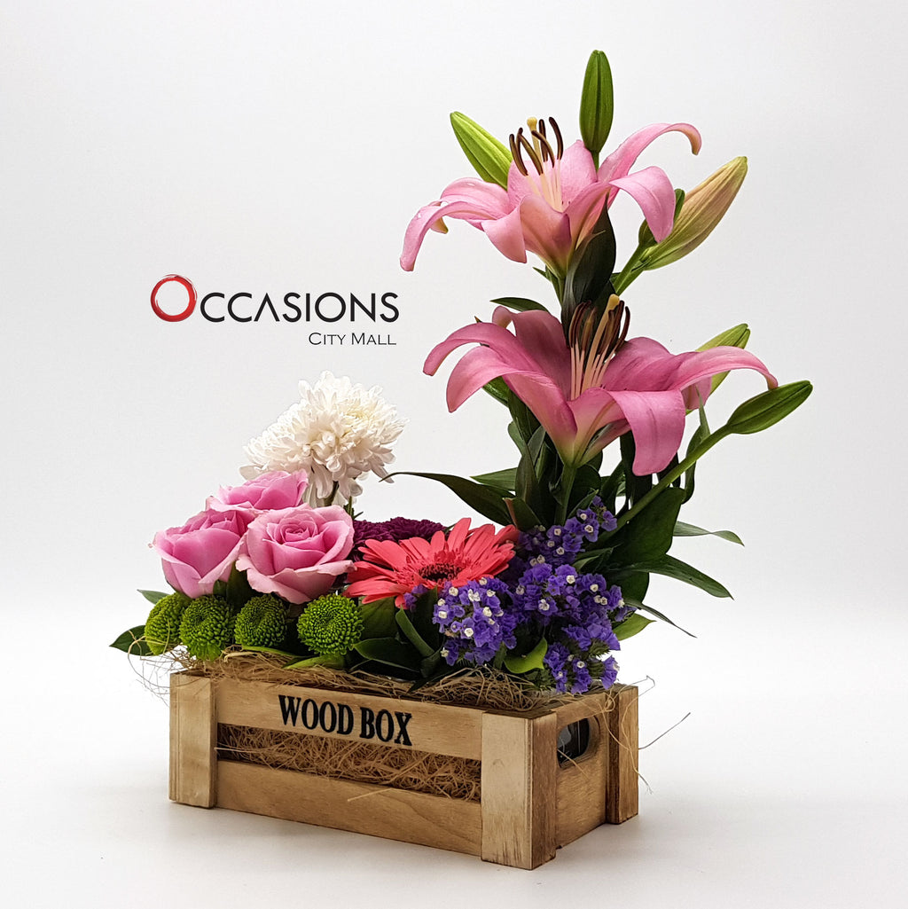 Brown Wood box Flower Arrangement Flowerssend_delivery_Amman_Jordan