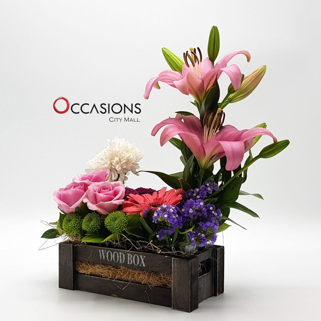 Black Wood box Flower Arrangement Flowerssend_delivery_Amman_Jordan