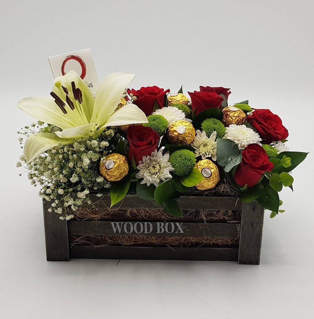 Black Wood box Flowers & Ferrero Flowerssend_delivery_Amman_Jordan
