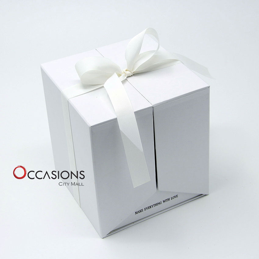 Surprise Roses Box - White - gift-on-line