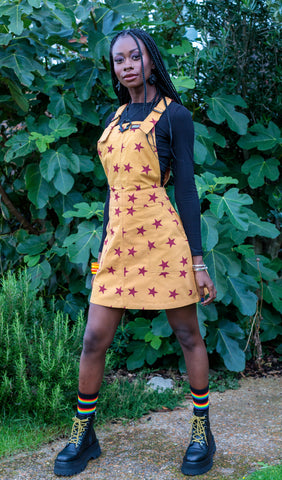 Star Pinafore Stretchy Twill + Free Pin ~  Run & Fly