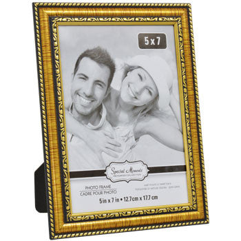 Classic Carved Inner Edge Gold Plastic Photo Frame, 5x7 in.