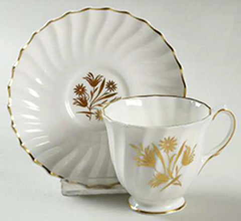 White Royal Doulton Footed Demitasse Cup and Saucer H4800 Tea Cup Collectors