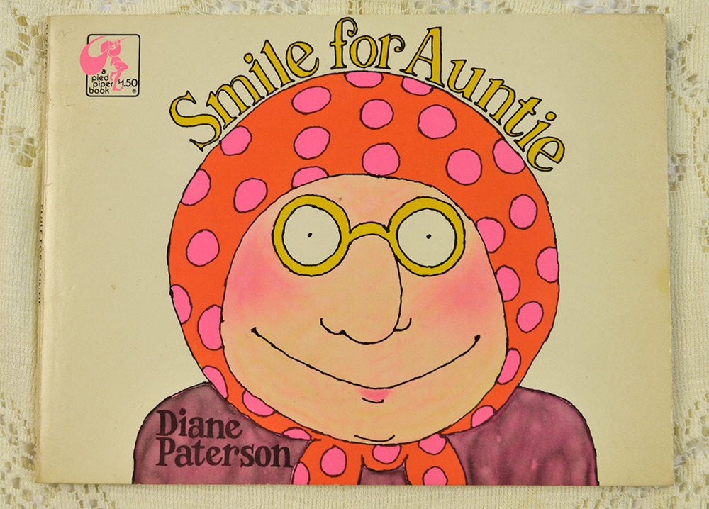 Vintage Humor Book Smile for Auntie, Pied Piper Book, Dial Press, 1976, Paperback Funny Story 1970s Illustrations Rare Edition Ephemera