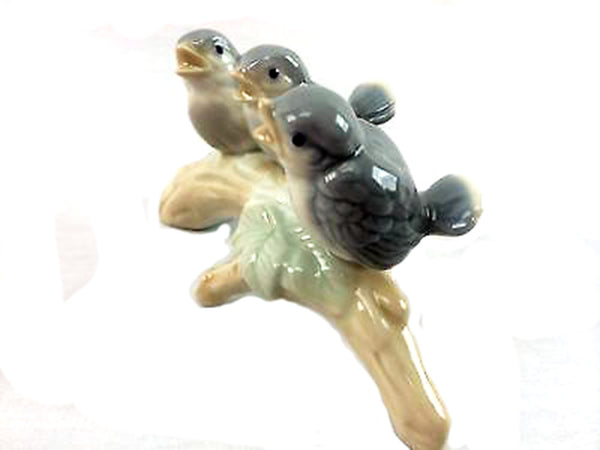 OMC Japan Porcelain Birds on a Branch Otagiri Figurines Birds Chirping Vintage Smalls Tiny Birds