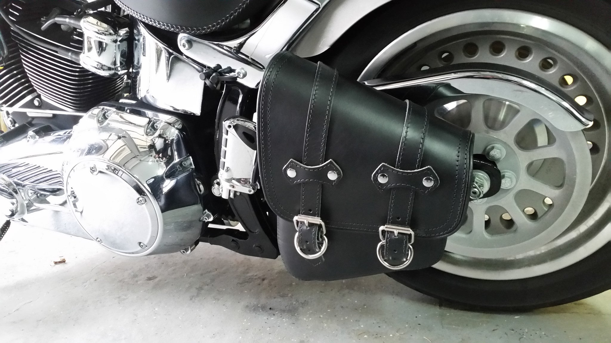 Bobber Bag Leather Solo Swingarm Bag for Harley Softail, Rigids, Bobbers