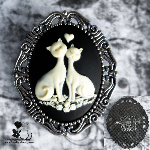 Pretty Kitty Silver Set Traditional Cameo Brooch
