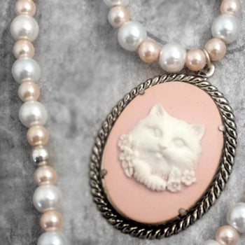 Pretty Kitty Peach Pearl Cameo Necklace