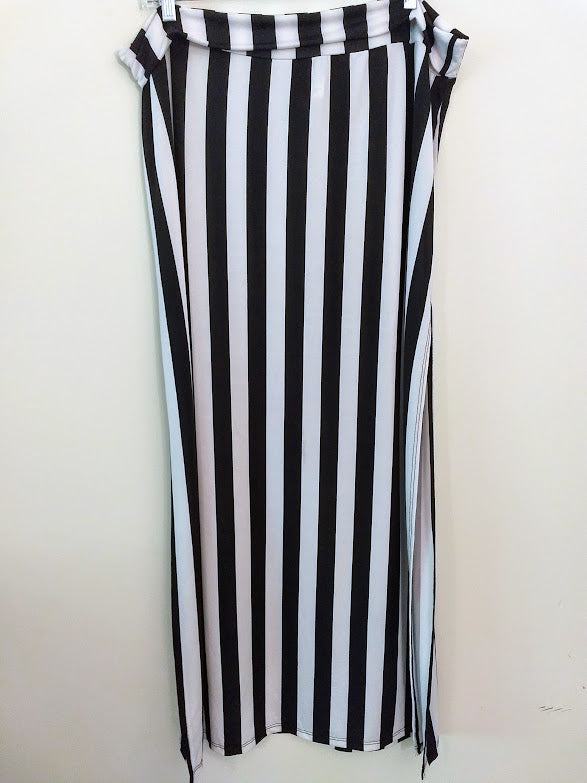 Black and White Stripe Maxi Skirt with Side Slit - (Plus Size)