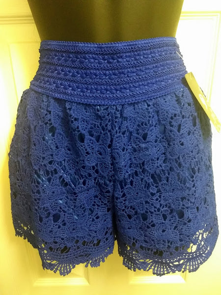Fancy Crochet Women's Shorts With Pockets (S/M)