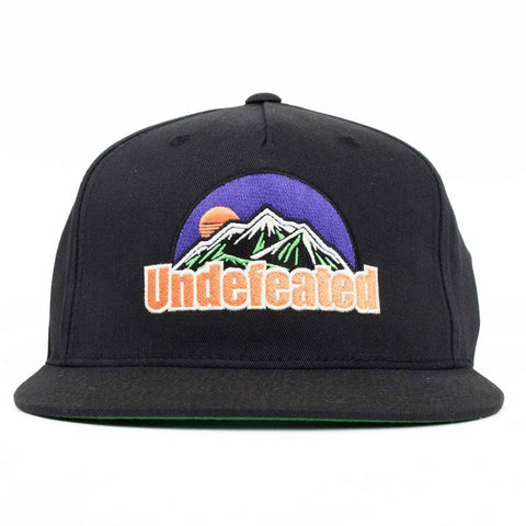 Undefeated Peak Snapback (Black)