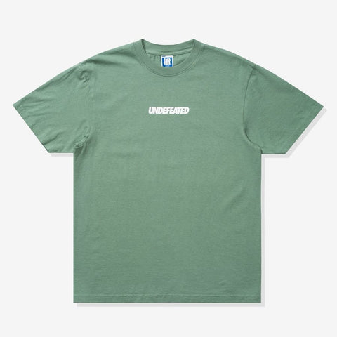 UNDEFEATED Signature Logo Tee Mineral Green