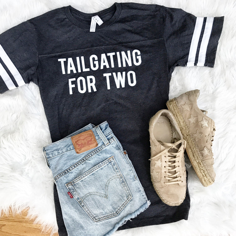 Tailgating For Two - smoky grey