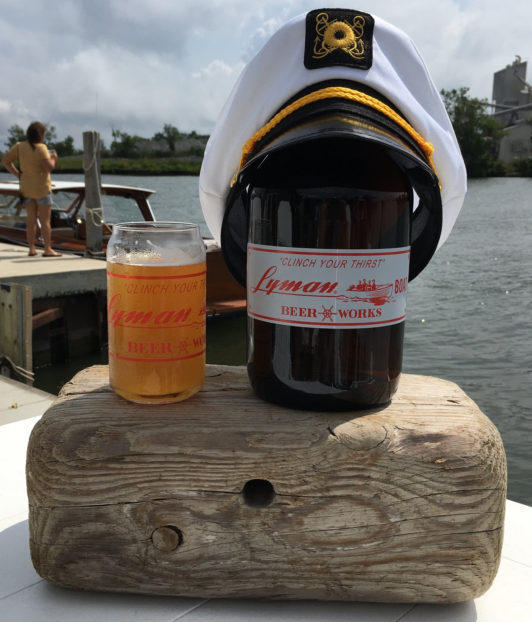 32oz amber growler w/lid
