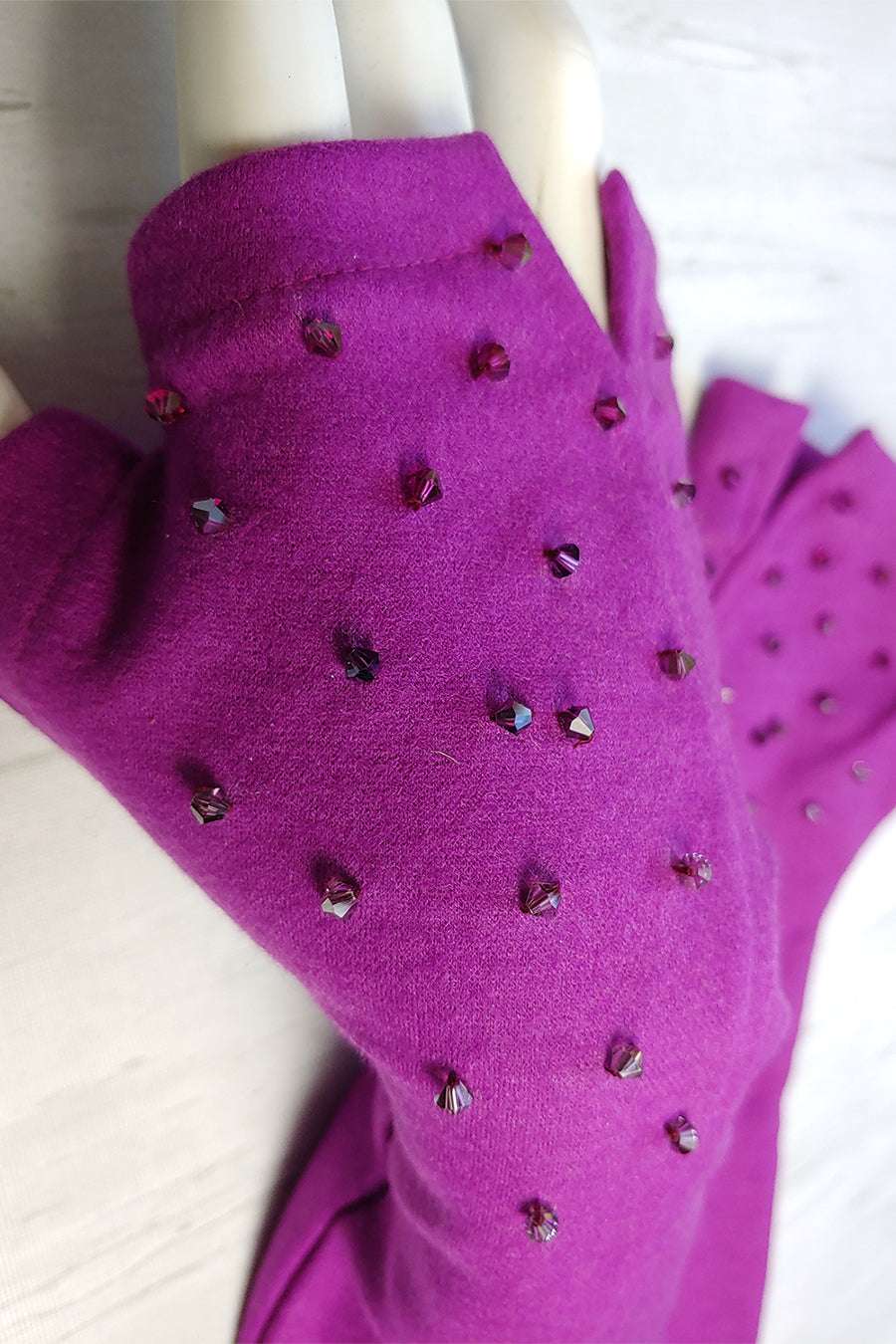 CRYSTAL SCATTER Gloves. more colours.