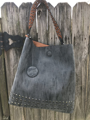 Reversible Hobo with Inner Pouch Saddle/Black