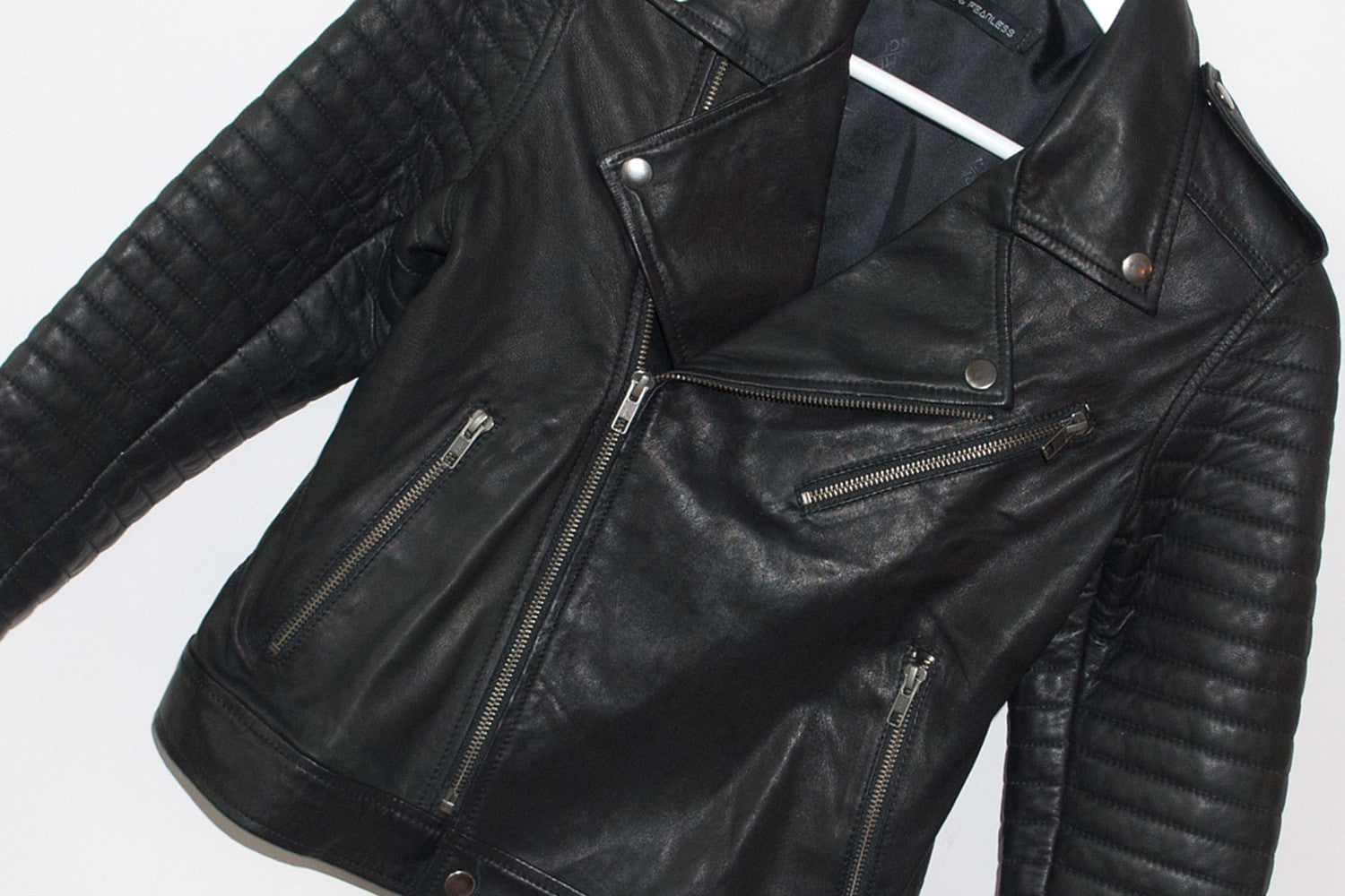 Leather jacket no sleeves