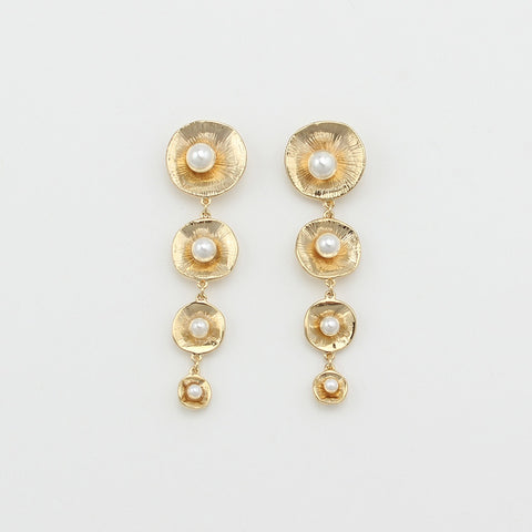 Gigi Pearl Earrings
