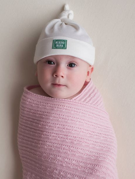 Merino wool baby blanket and merino wool hat gift set made in new zealand