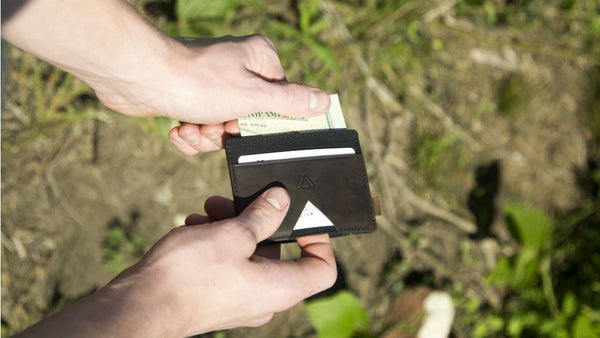 What makes a good minimalist wallet?