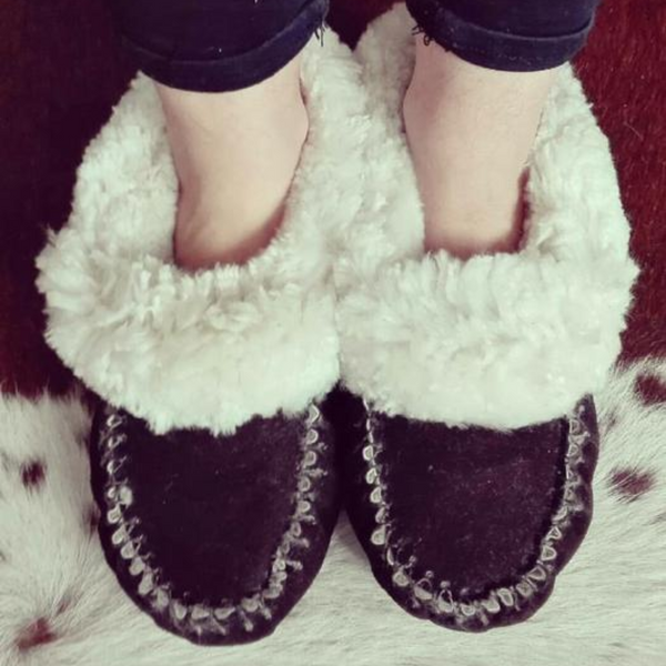 Moccasin Sheepskin Slippers-Brown