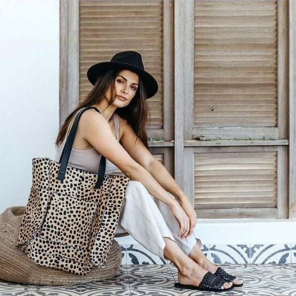 Faux Print Leather Tote in Cheetah White