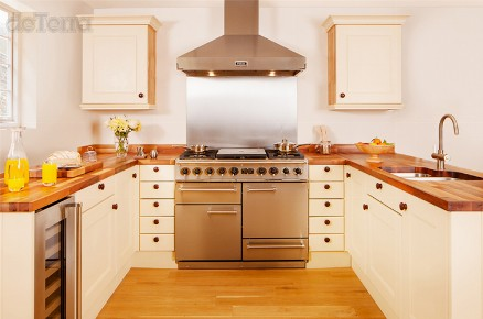1 Bespoke Kitchen Solid Hardwood Contemporary Traditional Shaker Details Quality Designed & Installed by The Fine Wooden Article Co., Gloucestershire, South West, UK. Kitchen Worktop, sink, double oven round counter wine storage cast iron handles.