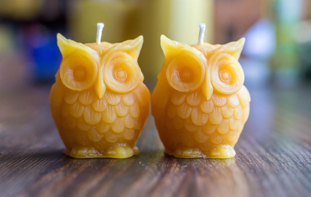 2 small Solid Beeswax Owl Candles (4 cm x 3 cm)