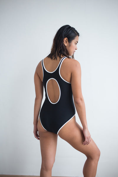 Aine One Piece - Black