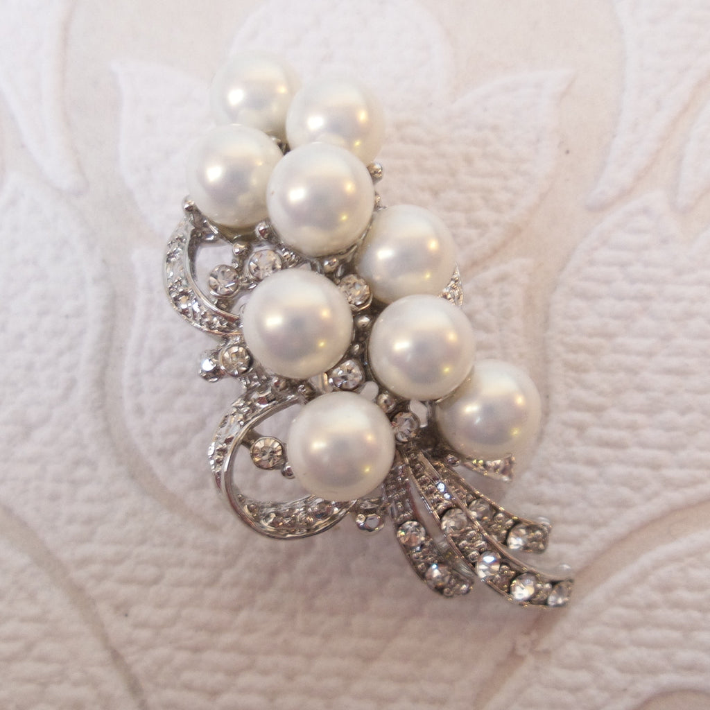 Bouquet Bridal Brooch Pearl Wedding Pin made with Swarovski Crystal