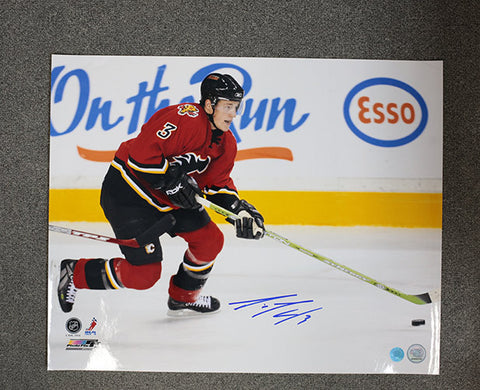 Dion Phaneuf Calgary Flames Autographed Playmaker 16x20 Photo