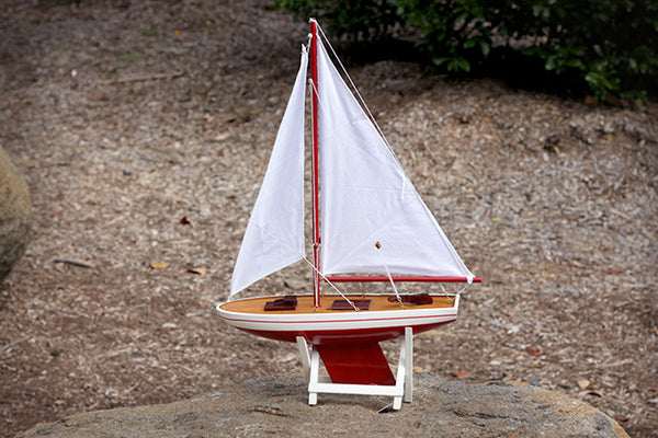 Model Sailboat (Large)
