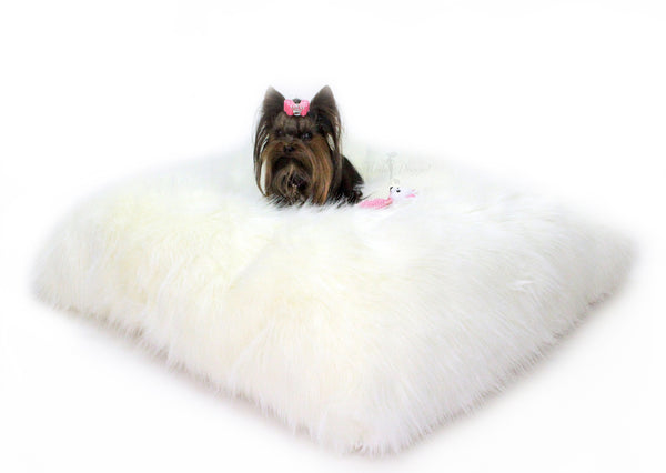 arctic, bed, dog, dog bed, faux, fur, comfy, luxurious, luxury, shaggy, soft, pet, pet products, cat, kitty, puppy, doggie, hello, elegant, fabulous, fluffy, white, blacl, onyx, ivory, pillow, floor, mat, luxury dog bed, cute dog bed, cute, made in usa, handmade, usa,