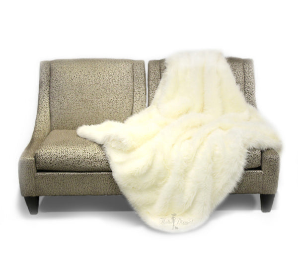 blanket, arctic, faux, fur, comfy, luxurious, luxury, shaggy, soft, pet, pet products, dog blanket, blanket, dog, cat, kitty, puppy, doggie, hello, elegant, fabulous,