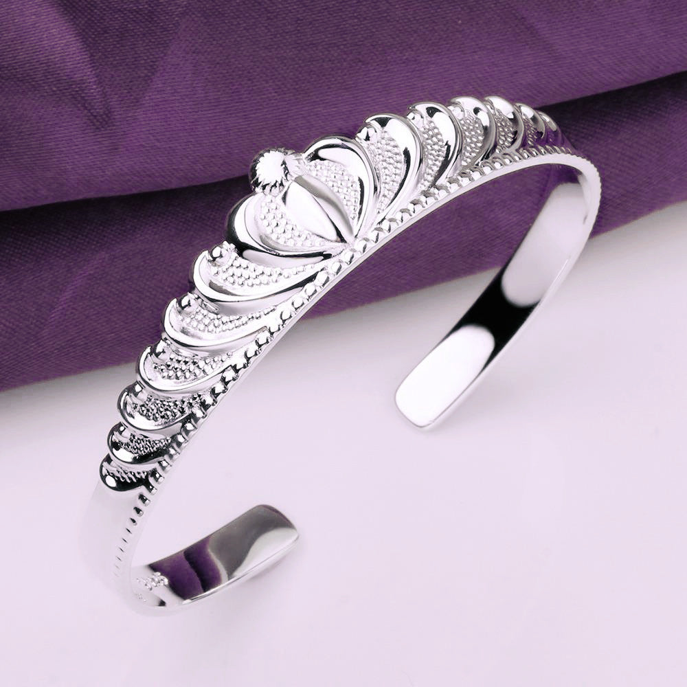 CROWNING GLORY BANGLE