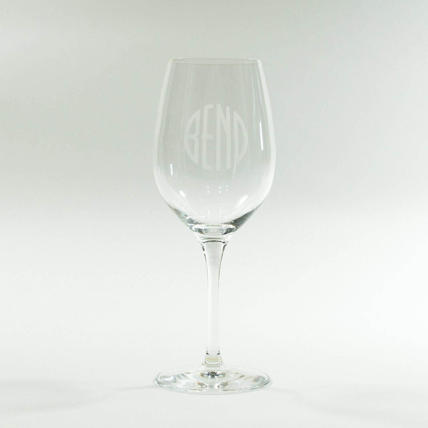 Bend Oregon Logo stemmed white wine glass