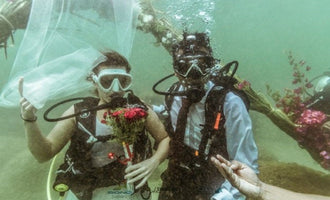 You May Now Kiss The Bride - Underwater!