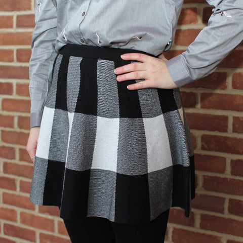 Kling knitted black and white tartan plaid winter skirt