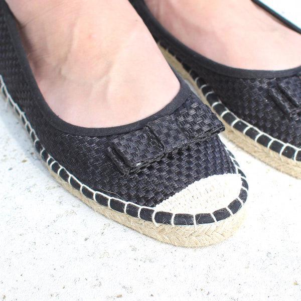 Black espadrilles with bow detail from qupid