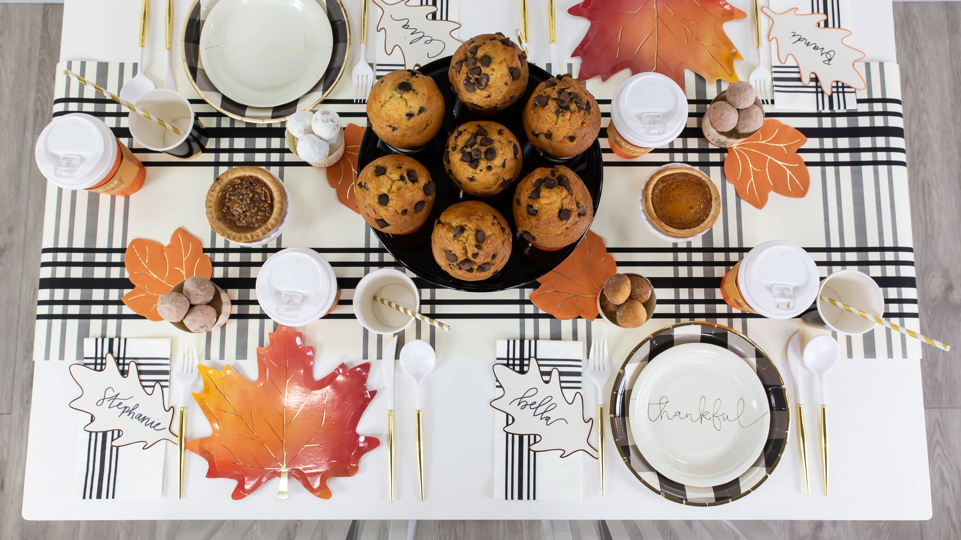 Stunning Gingham Fall Farmhouse Decorating Ideas for Brunch | The Party Darling