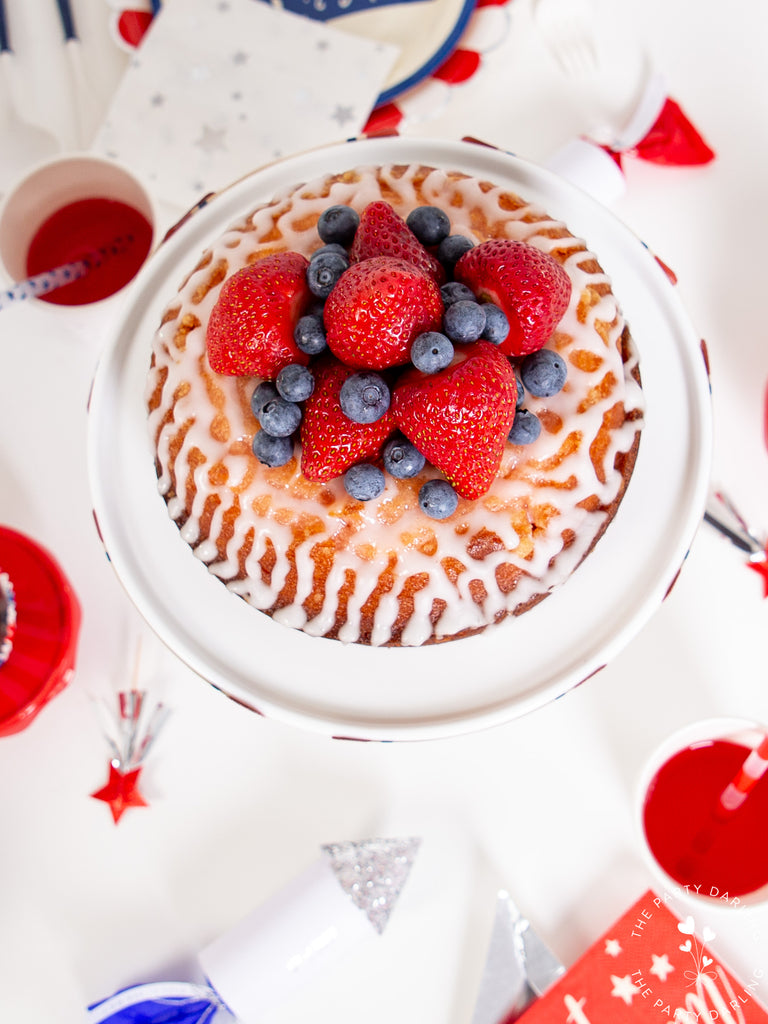 4th of July strawberry and blueberry cake
