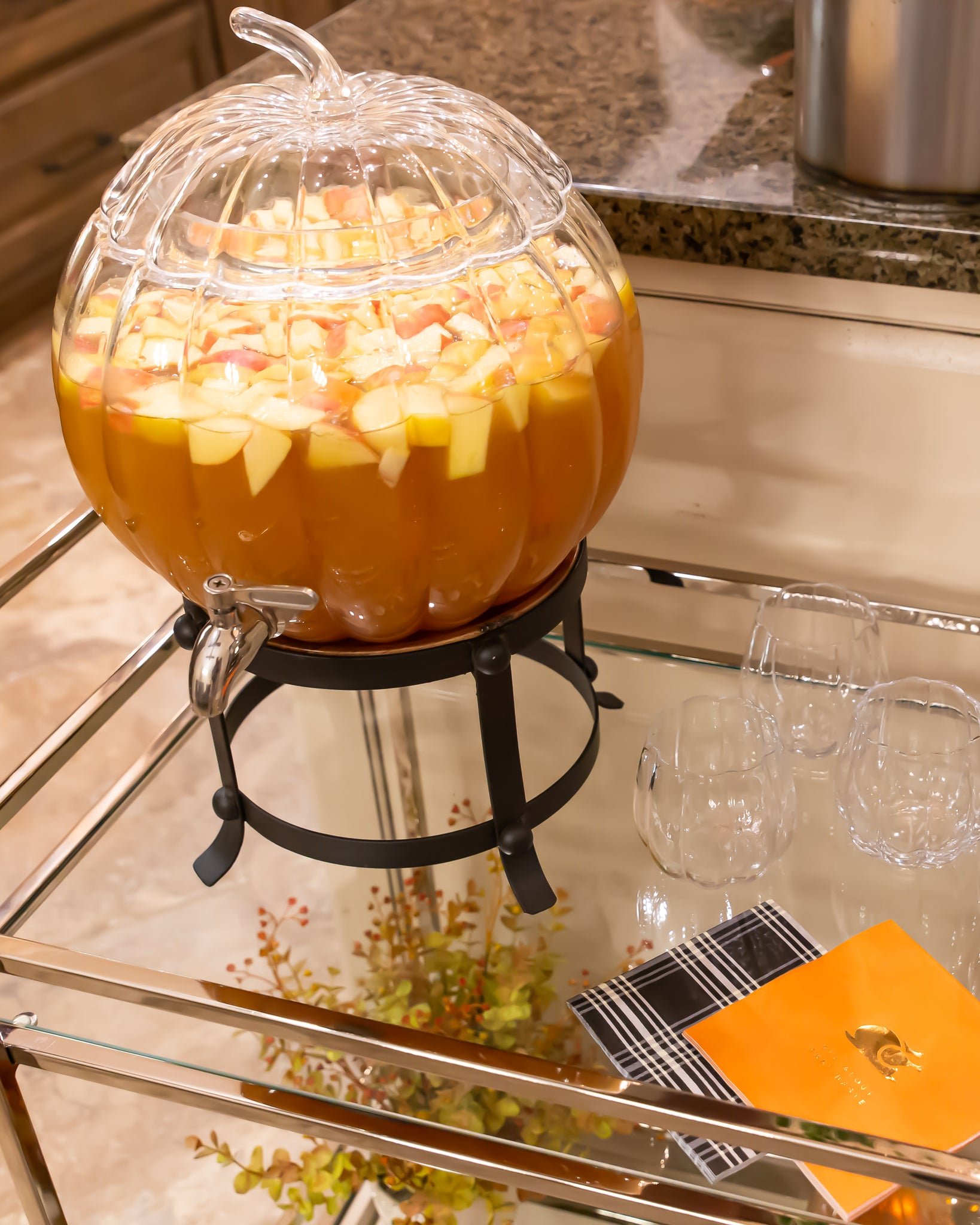 Friendsgiving caramel apple sangria